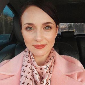 Подробнее: Анна Снаткина показала кадры из романтичной фотосессии с мужем