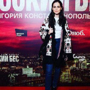 Подробнее: Редкий выход: Юлия Снигирь с Евгением Цыгановым, Марат Башаров с женой на премьере «Русского беса»