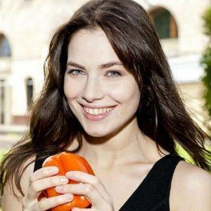 Подробнее: Юлия Снигирь призналась, что не сможет быть просто мамой, она хочет еще и быть актрисой