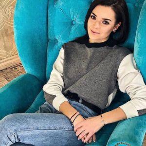 Подробнее: Аделина Сотникова снялась в рекламной фотосессии дизайнера Юлии Прохоровой и сменила имидж