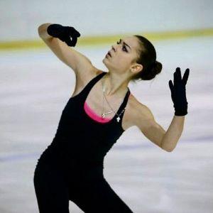 Подробнее: Аделина Сотникова после операции боится выходить на лед