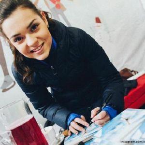 Подробнее: Аделина Сотникова старается из «хоккеиста» Соколовского сделать фигуриста
