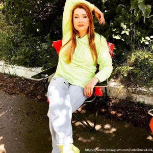 Подробнее:   Вера Сотникова живет с мужем сестры
