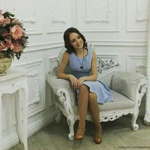 Подробнее: Самая младшая из «папиных дочек» Катя Старшова на отлично окончила школу