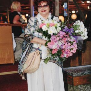 Подробнее: Елена Степаненко прокомментировала свадьбу Евгения Петросяна с Брухуновой