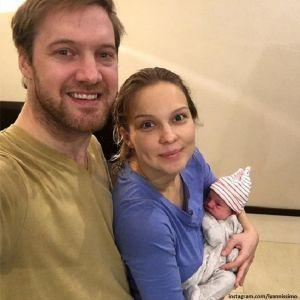 Подробнее: Полина Сыркина на днях обвенчалась с мужем во Франции