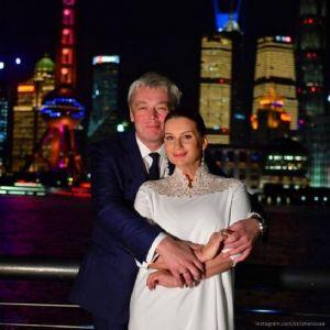 Подробнее: Екатерина Стриженова в эфире Первого канала подтвердила, что скоро станет бабушкой