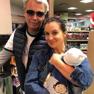 Подробнее: Екатерина Стриженова выложила фото мужа и внука в одинаковых футболках