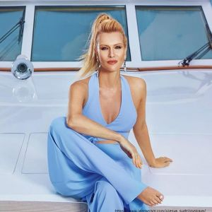 Подробнее: Олеся Судзиловская в купальнике показала упражнения для идеальной фигуры