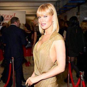Подробнее: Олеся Судзиловская вручила награду и пообещала  вернуться к работе