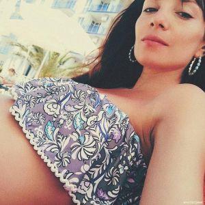 Подробнее: Беременная Светлана Светикова сфотографировалась в купальнике