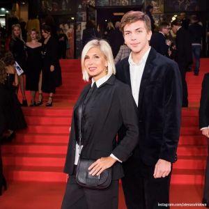 Подробнее: Алена Свиридова показала 16-летнего младшего сына