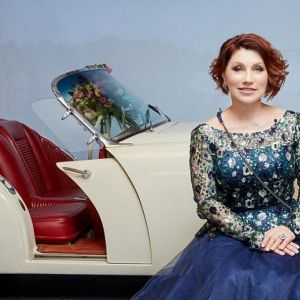 Подробнее: Розе Сябитовой на юбилей подарили стриптизера и машину за несколько десятков миллионов (видео)
