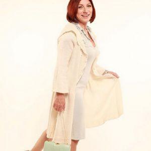 Подробнее: Розу Сябитову в свадебном платье раскритиковали за нелепость