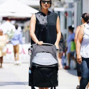 Подробнее: Папарацци сняли Ирину Шейк с дочкой во время шопинга