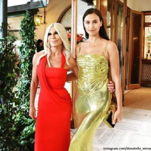 Подробнее: Ирина Шейк ослепила золотым платьем на кинофестивале в Венеции