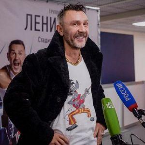 Подробнее: Сергей Шнуров тайком женился на своей новой избраннице
