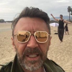 Подробнее: Сергей Шнуров потратил 250 тысяч долларов за новую улыбку