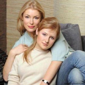 Подробнее: Мария Шукшина объяснила участие дочери в скандальном телешоу тем, что ее «купили» за два миллиона