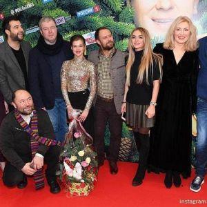 Подробнее: Мария Шукшина повеселилась с Гошей Куценко на премьере фильма (видео)