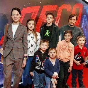 Подробнее: Юлия Снигирь проводит время вместе с детьми Евгения Цыганова от Ирины Леоновой