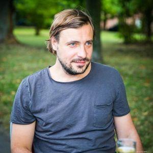 Подробнее: Евгений Цыганов возмущен интересом к его личной жизни