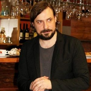 Подробнее: Евгений Цыганов покидает Москву