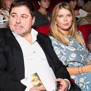 Подробнее: Экс-супруга Александра Цекало была змечена возле ЗАГСа