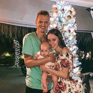 Подробнее: Дмитрий Тарасов поделился полуобнаженными фото с женой