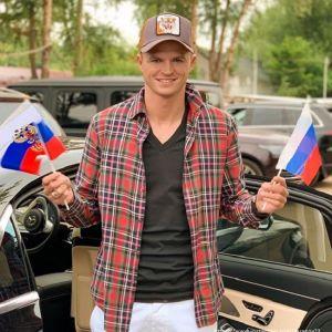 Подробнее: Дмитрий Тарасов будет сидеть без работы