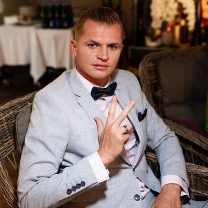 Подробнее:  Дмитрий Тарасов появился в храме с непотребной надписью