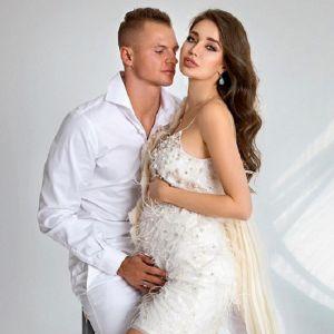 Подробнее: Беременная жена Дмитрия Тарасова снялась в нижнем белье