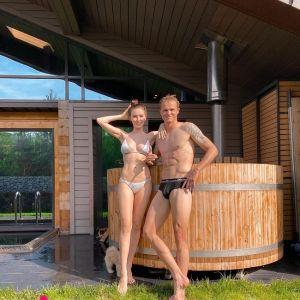 Подробнее: Дмитрий Тарасов заставляет жену худеть