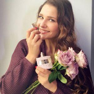 Подробнее: Цвет настроения розовый: Глафира Тарханова к весне обновила гардероб