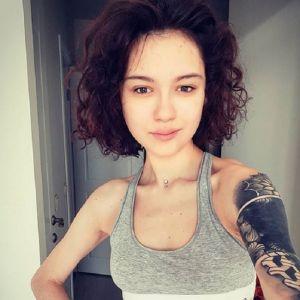 Подробнее: Дочка Любови Толкалиной объяснила свою страсть к обнаженным фото
