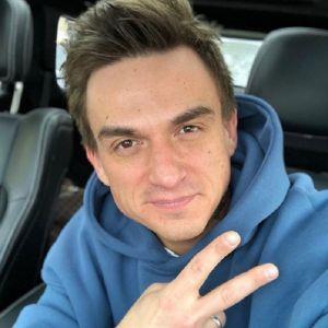 Подробнее: Влад Топалов сообщил, что потерял свадебный костюм