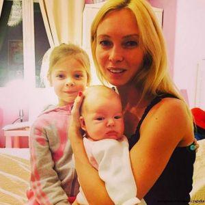 Подробнее: Новое фото  младшей дочери  представили Алексей Ягудин и Татьяна Тотьмянина