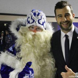 Подробнее: Иван Ургант отправляет письма Деду Морозу в морозильник