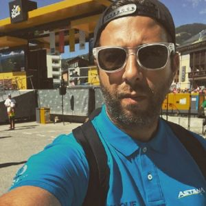 Подробнее: Иван Ургант участвует в международной велогонке и уже успел похудеть