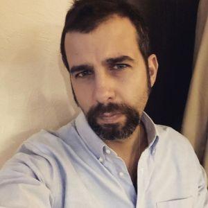 Подробнее: Иван Ургант поделился фото из клиники в халате