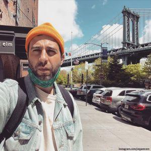 Подробнее: Иван Ургант запечатлел поцелуй с женой на Бруклинском мосту