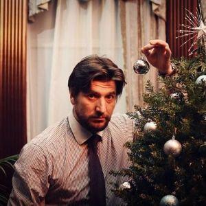 Подробнее: Александр Устюгов, расставшись с женой, встретил Новый год с телевизором и виски