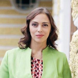 Подробнее: Нелли  Уварова не хочет стоять перед выбором семья или работа