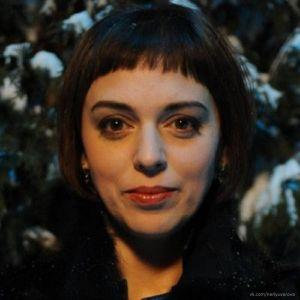 Подробнее: Нелли Уварова превратилась в женщину-вамп в новом ситкоме