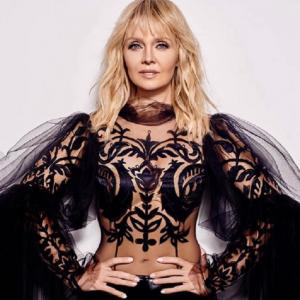 Подробнее: Певица Валерия в синем бикини похвасталась своей фигурой