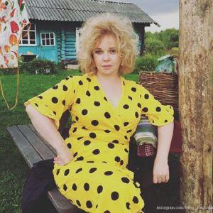Подробнее: Елена Валюшкина заинтриговала снимком в объятиях мужчины
