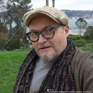 Подробнее: Александр Васильев с тяжелым заболеванием легких попал в больницу