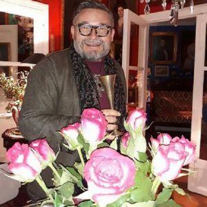 Подробнее: Александр Васильев показал парижскую квартиру и рассказал, как отмечали Рождество в старину