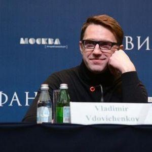 Подробнее: Владимир Вдовиченков: четыре брака и служебный роман