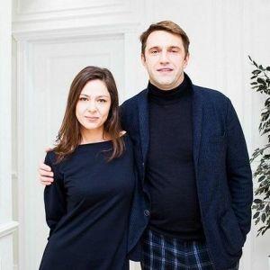 Подробнее: Вдовиченков одевается под присмотром Лядовой